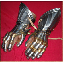 Gothic Fluted Gauntlets - Brass knuckles