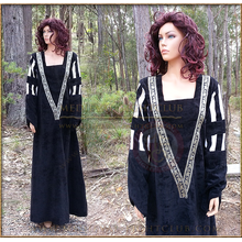 Black Fantasy dress - white/black sleeves